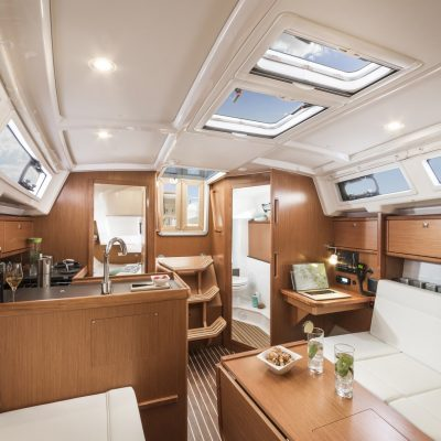 BAVARIA C34_Interior-2k_3