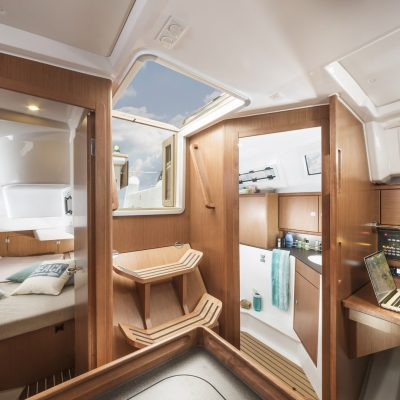 BAVARIA C34_Interior-2k_4