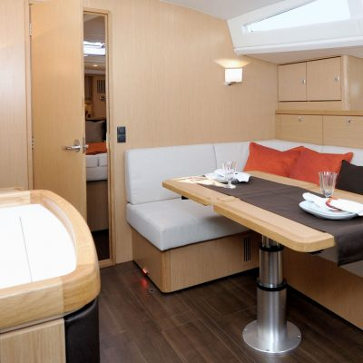 Bavaria Vision 42 Interior
