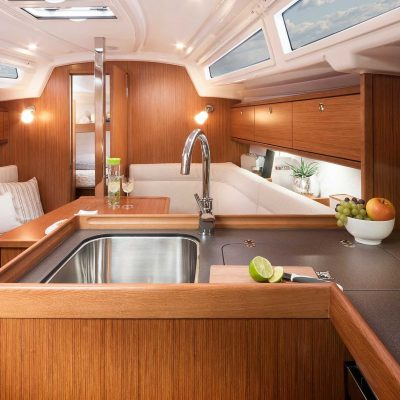 2019 Bavaria Cruiser 34 Interior