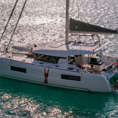 2019 Lagoon 40 Catamaran Exterior
