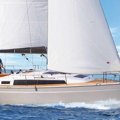 2019 Bavaria Cruiser 34 Exterior