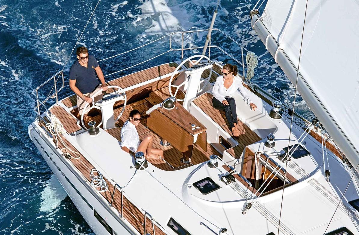 Bavaria Cruiser 46 Exterior
