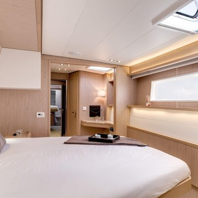 Lagoon 52 fly Interior
