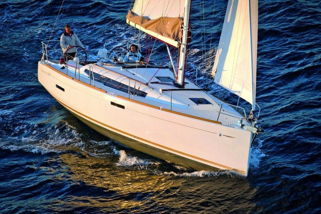 Jeanneau Sun Odyssey 389 Exterior