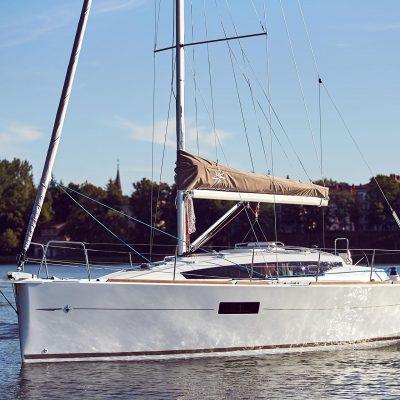 Sun Odyssey 319 Exterior