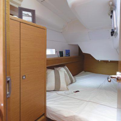 Jeanneau Sun Odyssey 389 Interior