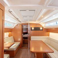 Bavaria Cruiser 41 Interior