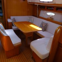 Bavaria 42 Cruiser Interior